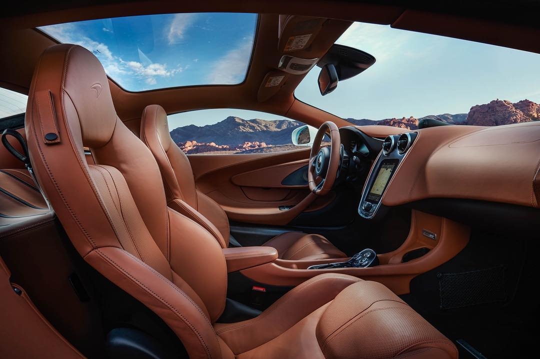 inside-the-mclaren-570gt-a-special-place-to-be.jpg