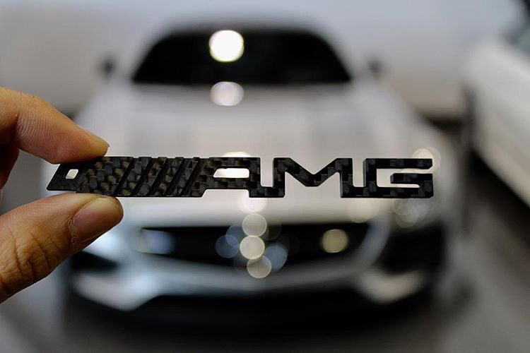 new-carbon-amg-keychain-available-for-purchase-on-thecarbonclub-__________.jpg