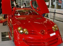 bling-car-mercedes-slr-mclaren-with-500-rubies-and-24k-gold.jpg