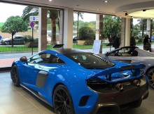 mclaren-675lt-painted-in-an-mso-blue-w-satin-carbon-fiber-photo-taken-by-fip.jpg