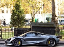 for-some-its-an-early-christmas-present-pic-by-ollieheasman-mclaren-720s-gr.jpg
