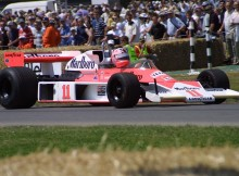 072-%c2%b7-2003-%c2%b7-goodwood-%c2%b7-festival-of-speed-%c2%b7-mclaren-ford-cosworth-m23-1973.jpg